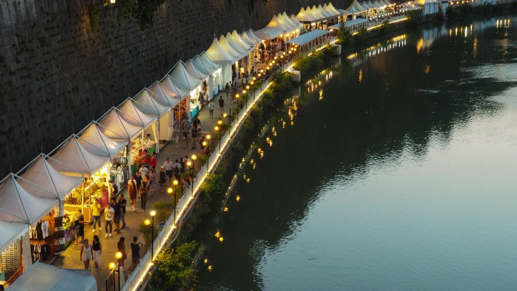 Market on the River